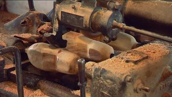 Les vieux métiers - Fabrication de sabots dans les Landes