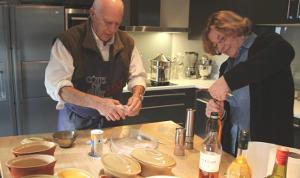 André Daguin préparant ses foies gras (La Dépêche - déc. 2014)