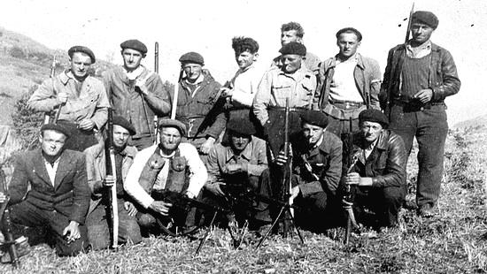 Guerre 1939-1945 - Maquisards dans les Pyrénées