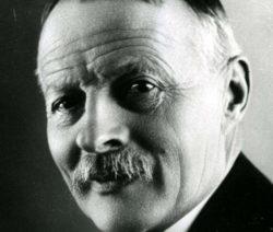 Charles Pathé (1863 - 1957) fait connaitre Max Linder
