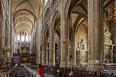 Cathédrale Sainte-Marie d'Auch - la nef et le choeur, de Meric Boldoytre maître d'oeuvre et de ses artistes gascons