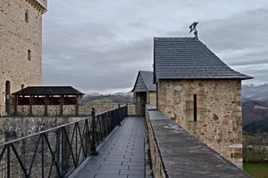 Les courtines du Château de Mauvezin