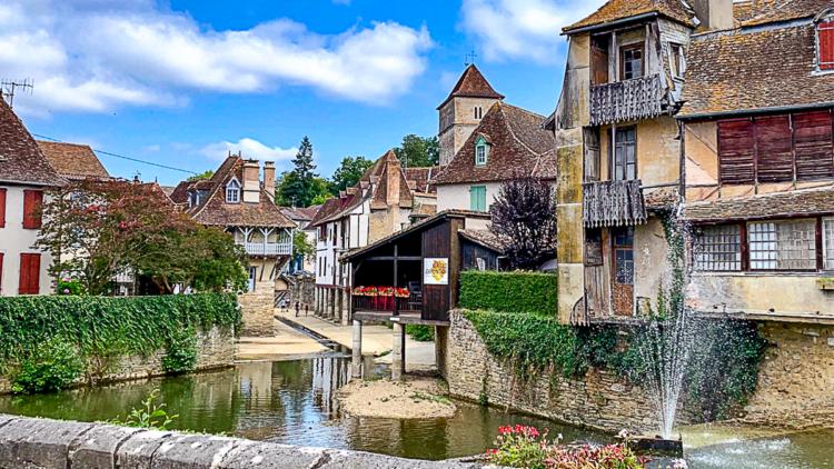 Vue du vieux Salies de Béarn