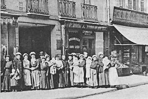 Le bureau des nourrices, Rue du Cherche-Midi à Paris : une voie possible pour les cadettes