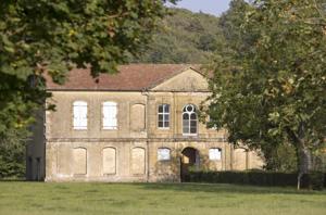 Corps de bâtiment de l'abbaye de Berdoues.