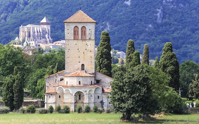 Basilique de Saint-Just de Valcabrère et cathédrale de Saint-Bertrand