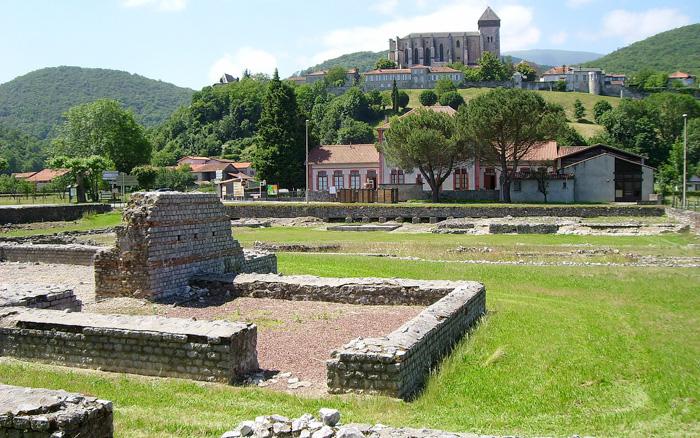 Les ruines romaines et la Cathédrale de Saint-Bertrand